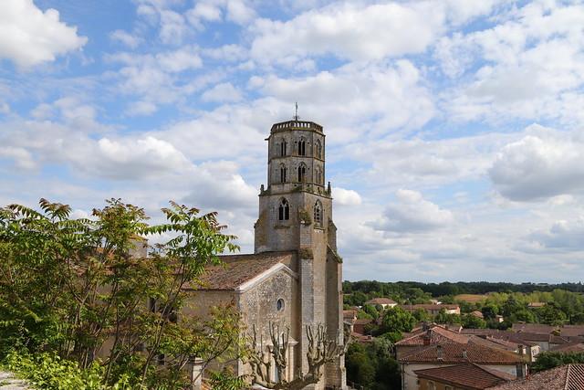 Le clocher de Mauvezin, depuis la promenade du château