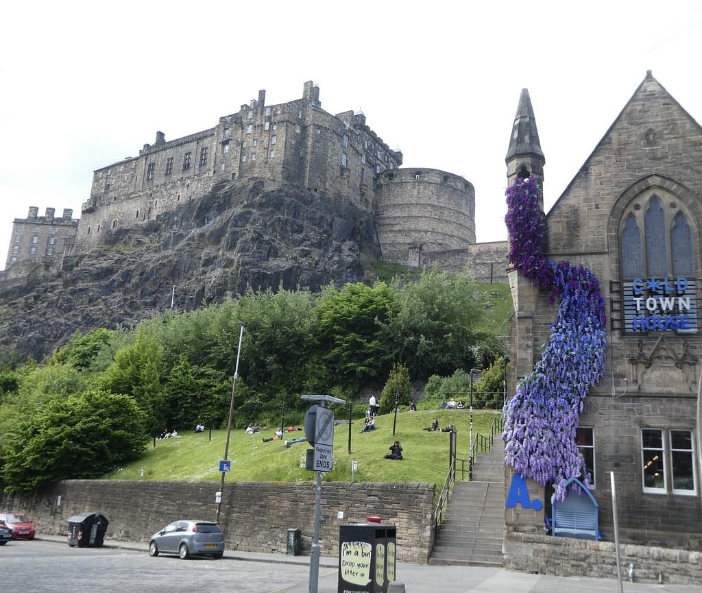 Edinburgh Castle viewed from Grassmarket