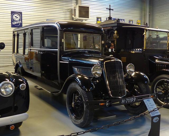 1928 Ford Model A Hearse black vr