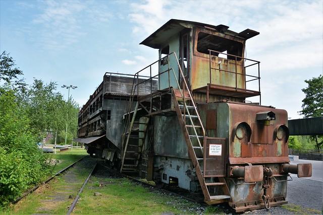 Spezial-Lokomotive - Alte E-lok mit Kokslöschwagen
