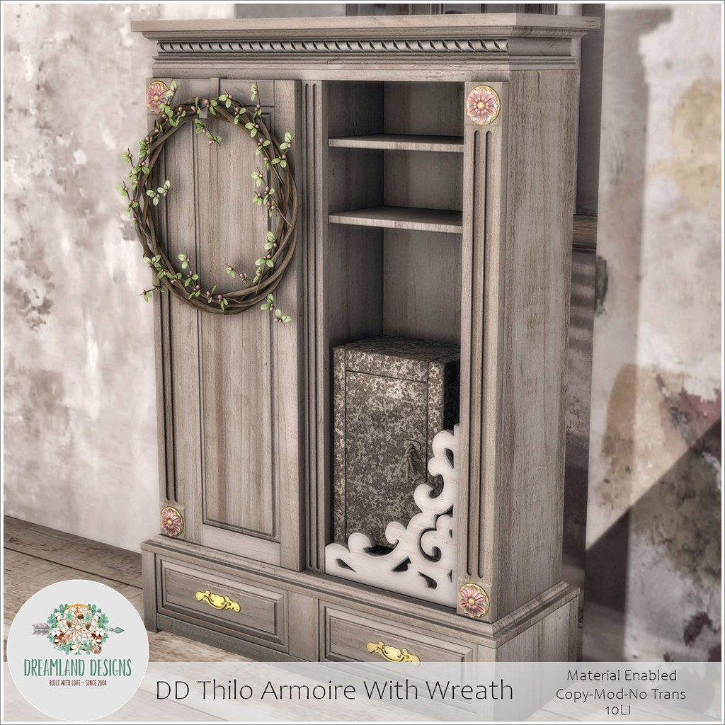 DD Thilo Armoire With WreathAD