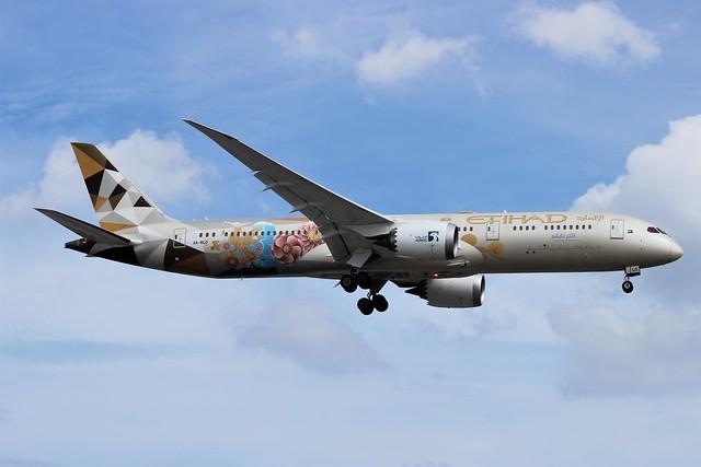 Etihad Airways A6-BLO