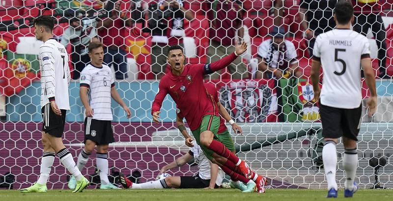 歐錦賽葡萄牙對德國之戰,Cristiano Ronaldo在第15分鐘率先進球。(達志影像)