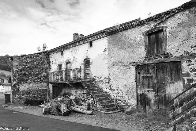 OLD HOUSE - VIEILLE MAISON A SAURIER DANS LE PUY DE DÔME