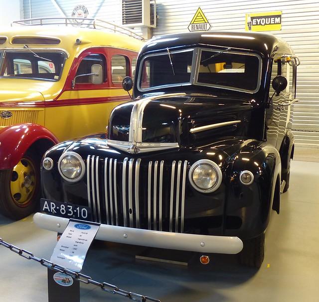 1946 Ford Hearse Truck black vl