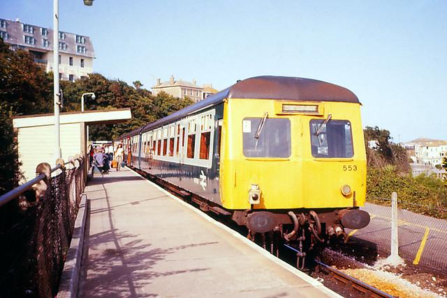 25Sep78. St Ives. Swindon Cross-Country 3-car DMU Set 553. [Slide_D065]