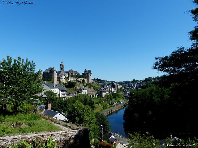 Bienvenue dans la belle cité d'Uzerche sous le soleil, perle de la Corrèze - Nouvelle Aquitaine - France - Europe (On Explore  June 19, 2021)