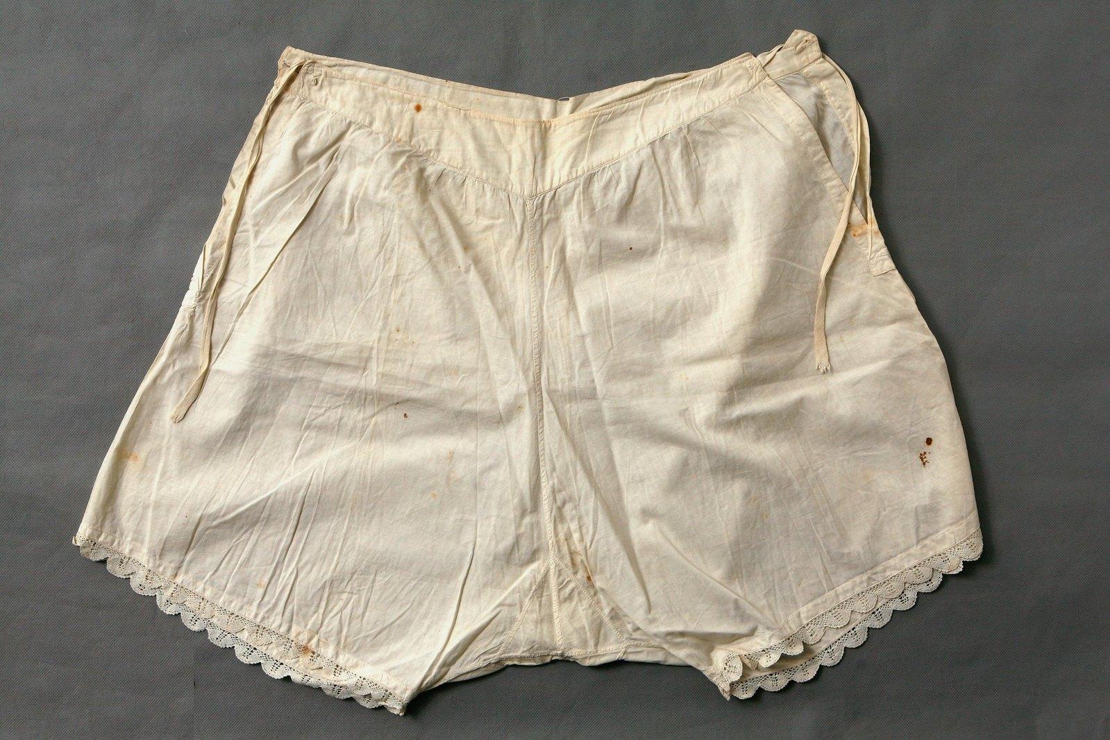 Панталоны дамские. Начало XX в.1