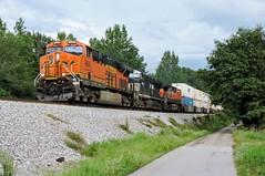 BNSF 6699 leads CSX Q181-15 in Moreland, GA