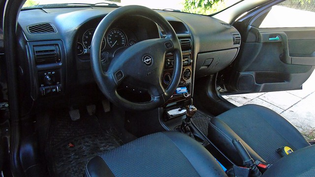 3_Opel Astra 1.4 Elegance