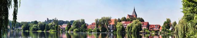 Mölln3  als zusammengesetztes/stiched Panorama, maximale Größe in cm 300 X 58
