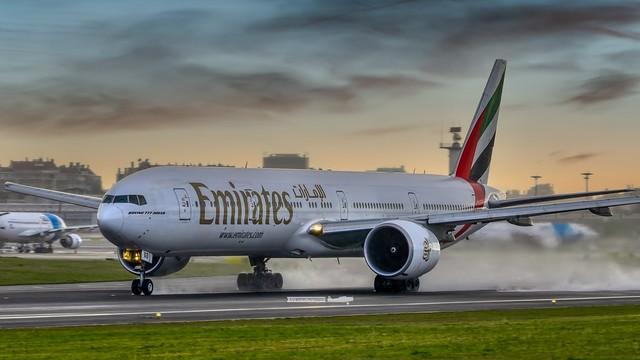 A6-EGD Emirates B777-31HER