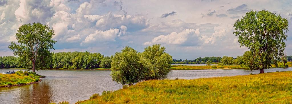 Panorama rivier de Maas - NL