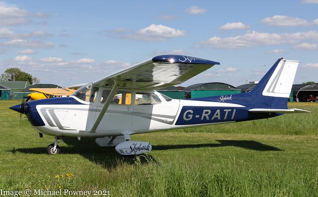 G-RATI - 1975 Reims built Cessna F172M Skyhawk, arriving back at Enstone after a local flight