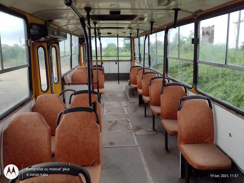Interiorul autobuzului Ikarus 260 #IL03NSL (ex. RATB #66)