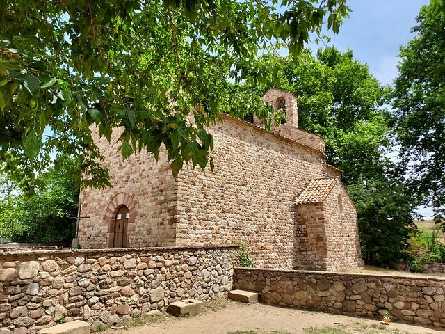 Santa Maria de Gallecs, església romànica. Romanesque church of Santa Maria of Gallecs. XII- XIV centuries, Catalunya, Catalonia. plà principal, main view