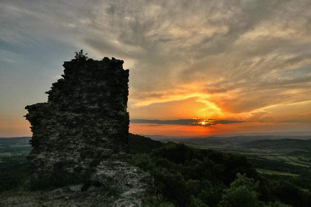 Szandavár at sunset