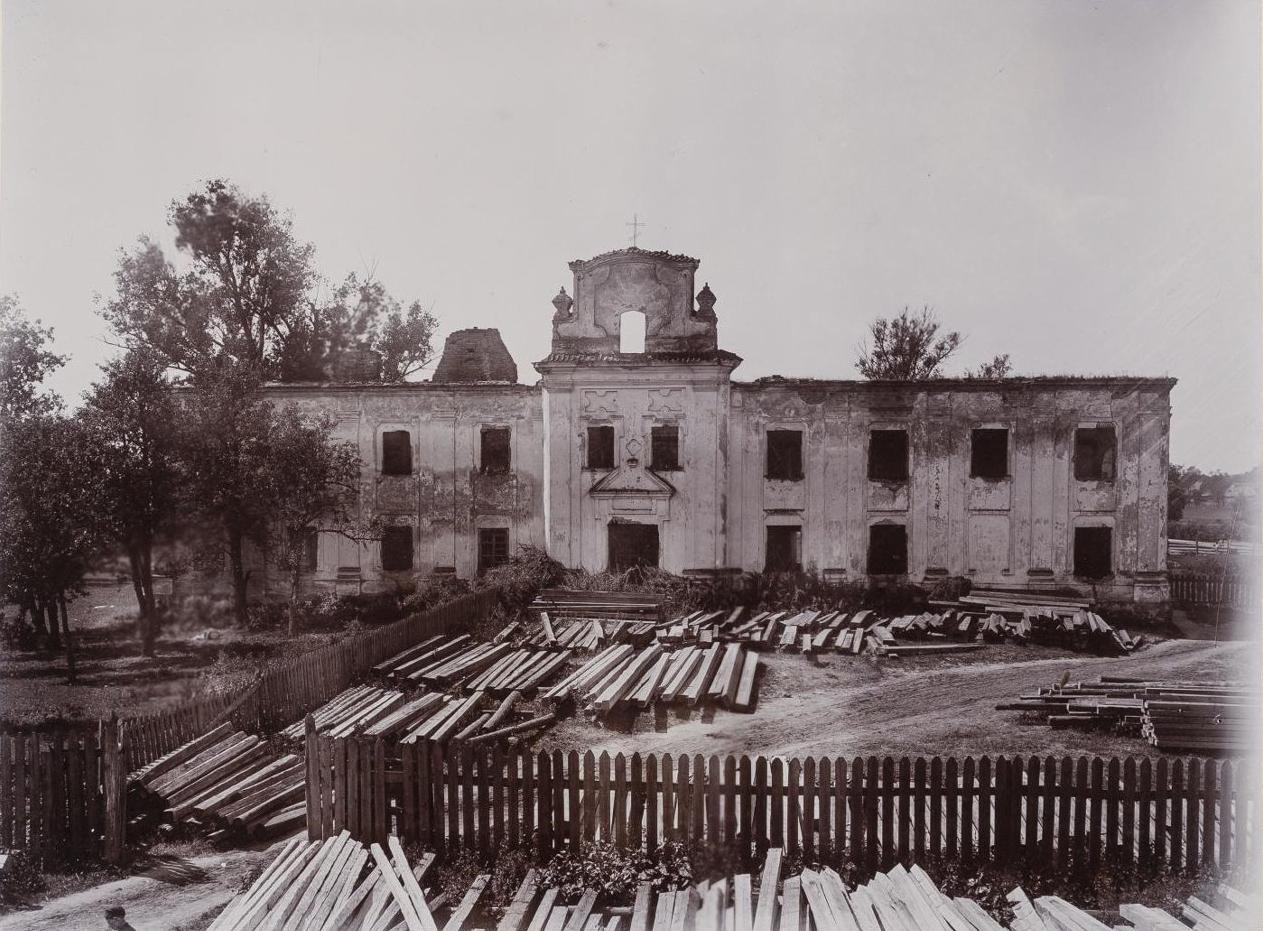Здание бывшего Спасского монастыря