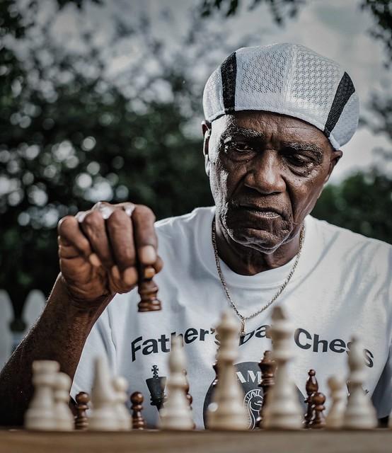 Chess Guru. Mr.M
