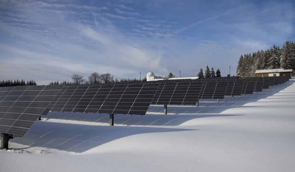 Le stockage de l'énergie et du solaire pour une fiabilité accrue