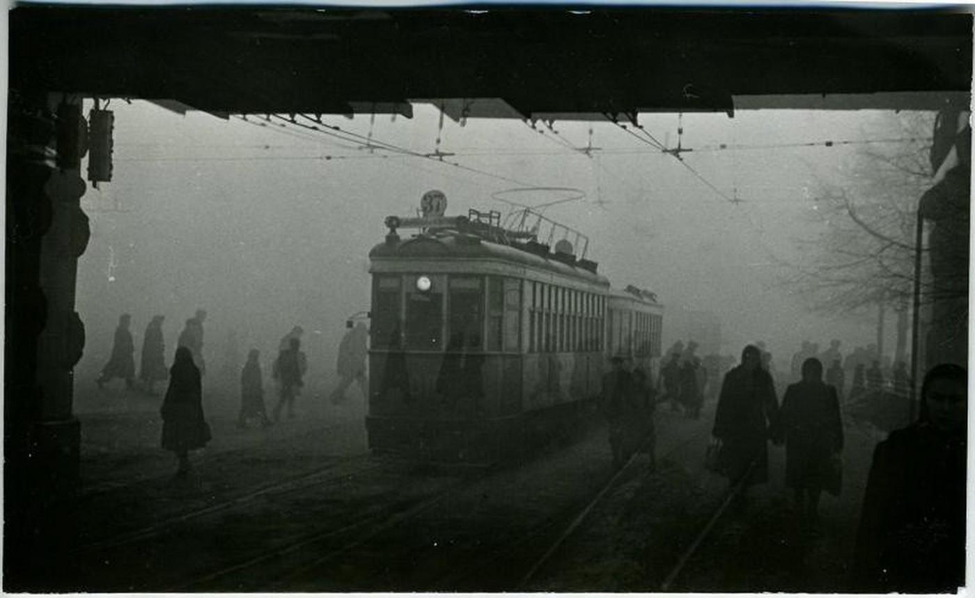 1955.  Комсомольская площадь