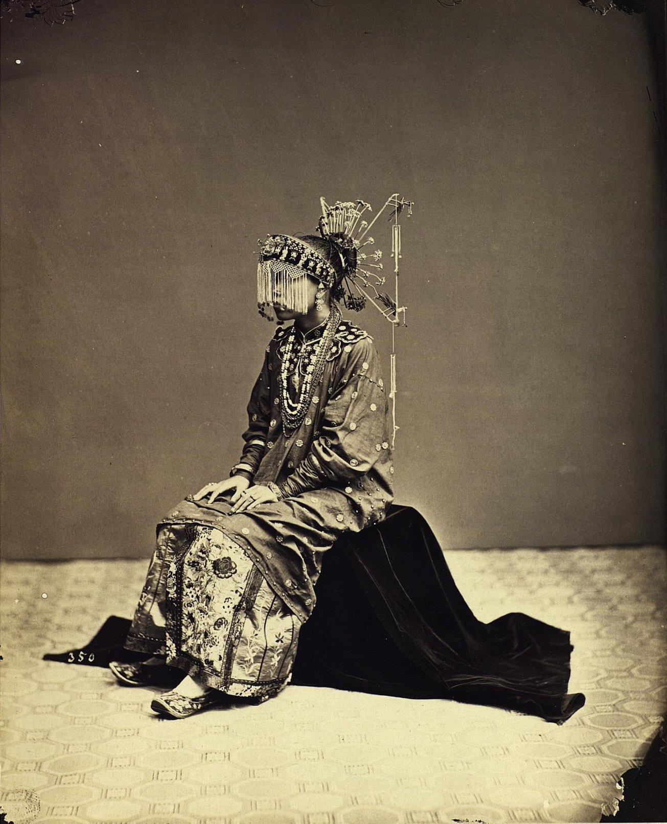 02. Портрет девушки в костюме невесты. Суматра