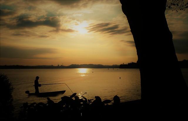 the fisherman in Pusiano