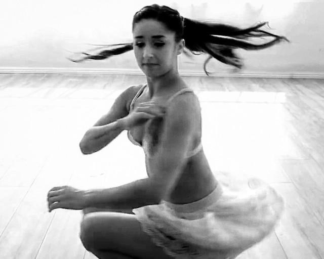 Dance ¬ 4830