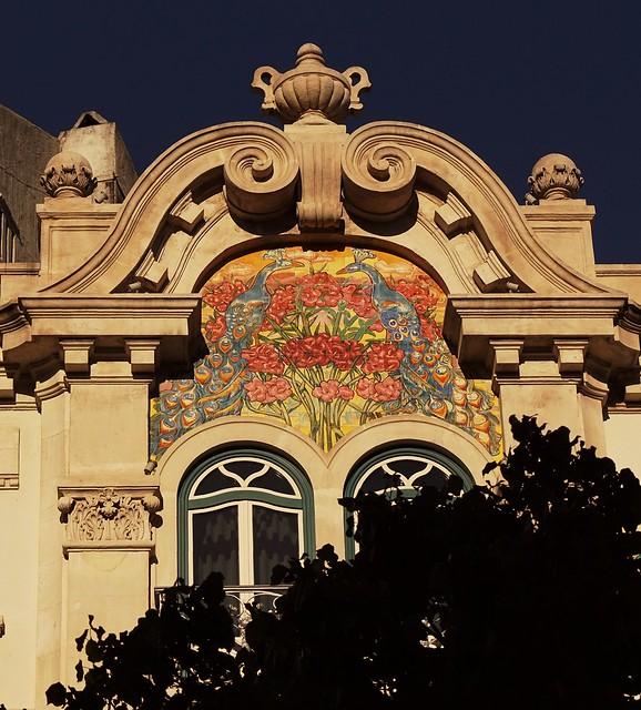 Azulejos  at Av. Alm. Reis - Lisboa