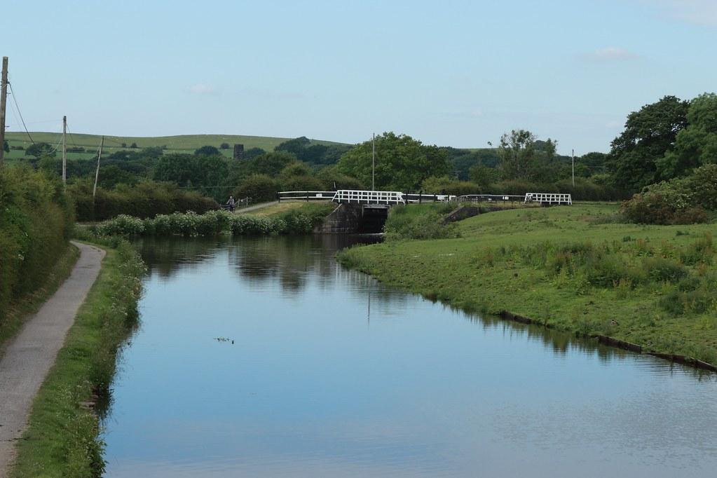 171-365 Johnson's Hillock Lock 60