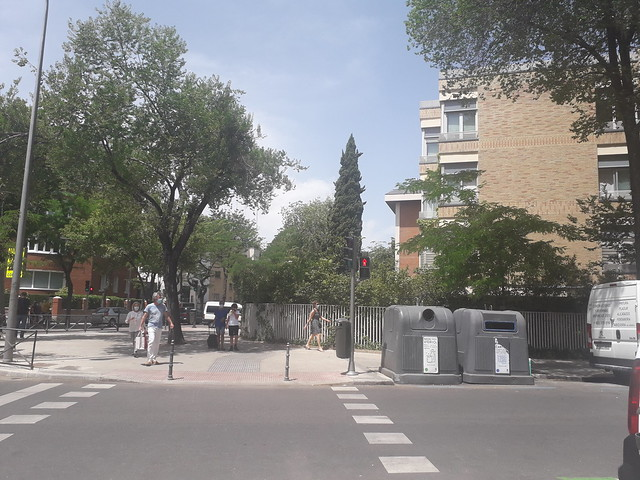 Corner of Calle  Rodriguez  Marin  with Calle  Cinca, Ciudad  Jardin,  Madrid