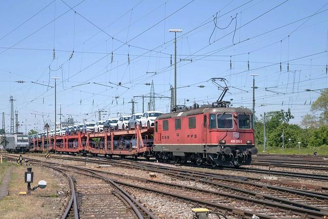 SBB Re 4/4 420 335 Basel Badischer Bahnhof