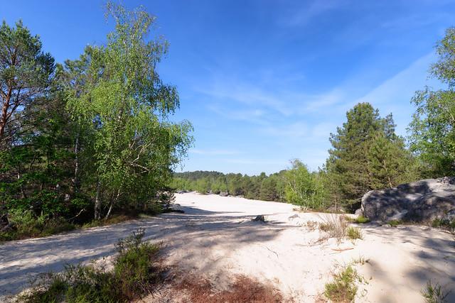 Fontaineblea white sand