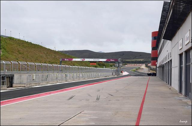 Pit lane (Circuito de Navarra, España, 19-6-2021)