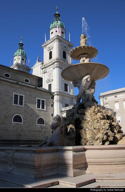 Dom zu Salzburg & Residenzbrunnen, Salzburg, Austria