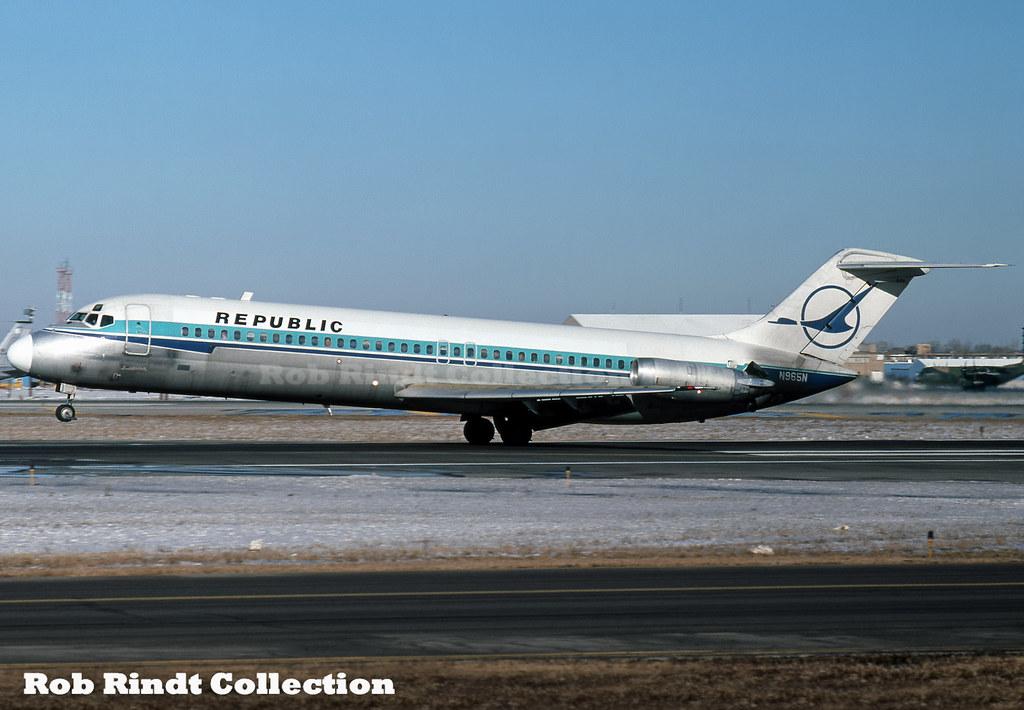 Republic Airlines DC-9-31 N965N