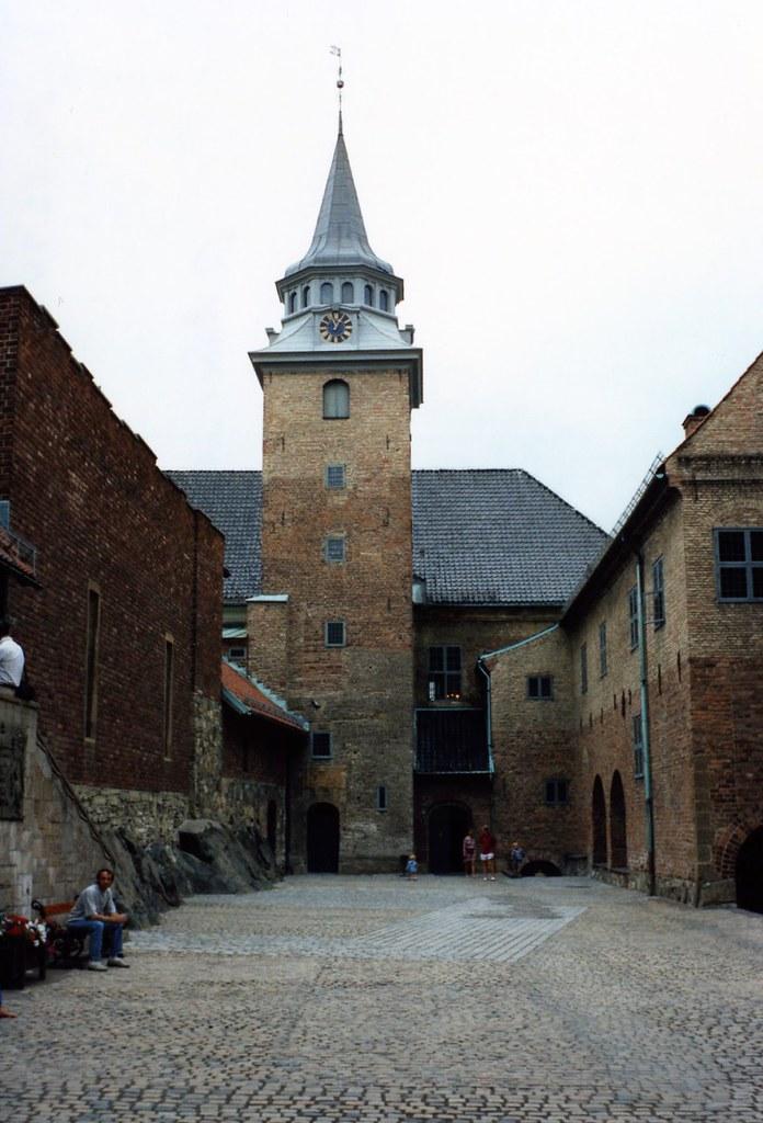 72294d2-akker-castle-oslo_2381472996_o