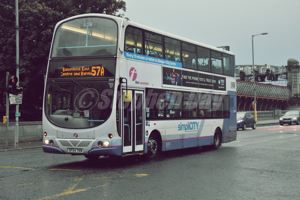 32609 First Glasgow SF54TKN Volvo B7TL Wrighbus Eclipse Gemini. King George V Bridge Glasgow 19.10.19