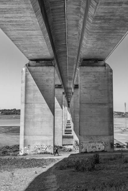 Under the Orwell bridge black and white