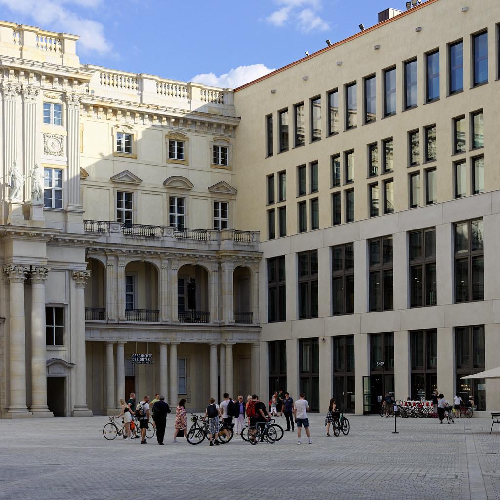 Der Hof des Humboldt Forums