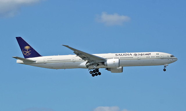 Boeing 777-300ER HZ-AK42 [62762/1488]