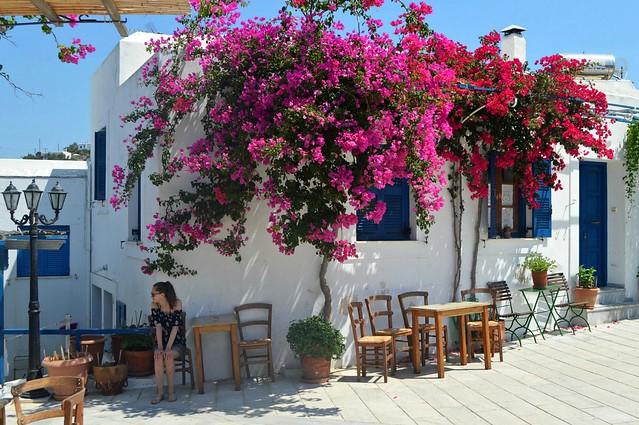 Per le strade del centro storico di Lefkes, sull'isola di Paros