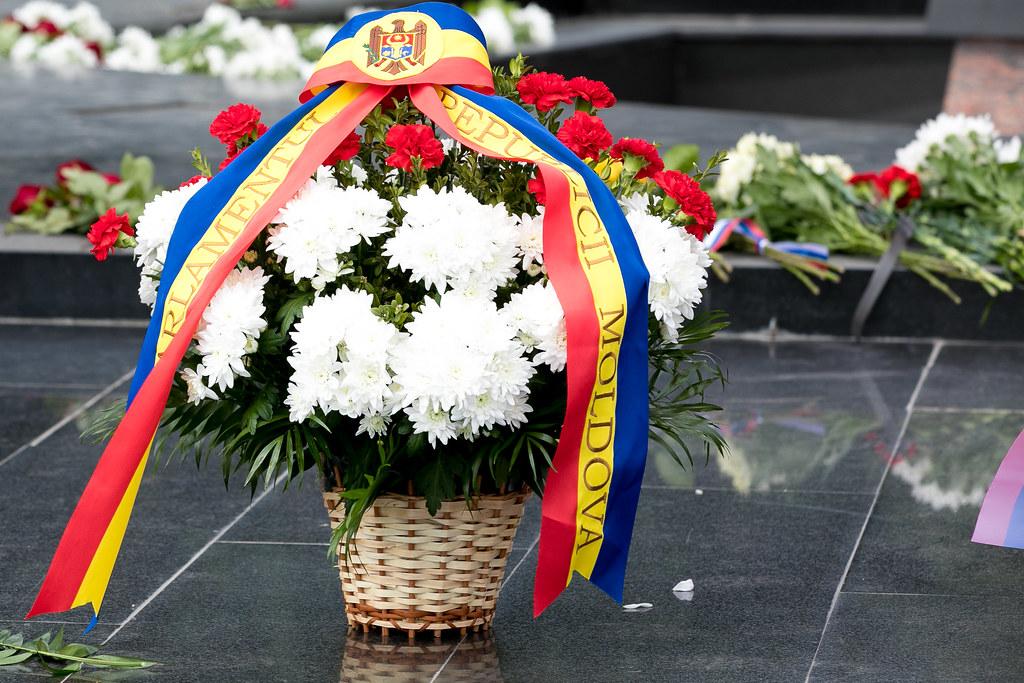 """22.06.2021 Depunere de flori la Complexul """"Eternitate"""", cu ocazia Zilei comemorării victimelor fascismului"""