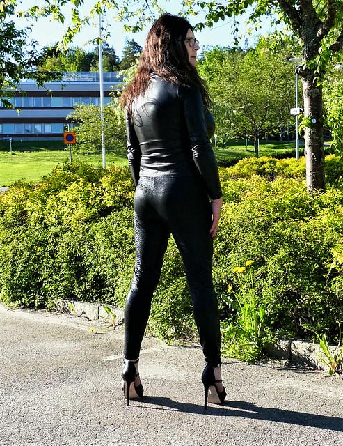 Wetlook leggings, wetlook top and 6 inch high heels