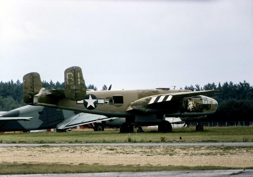 '151632' N9494Z North American B-25J Mitchell seen at Blackbushe