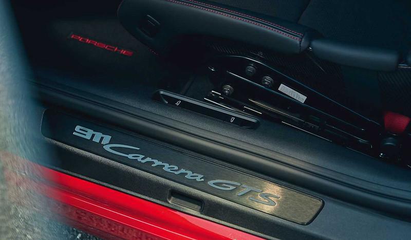 2022-porsche-911-carrera-gts-door-sill