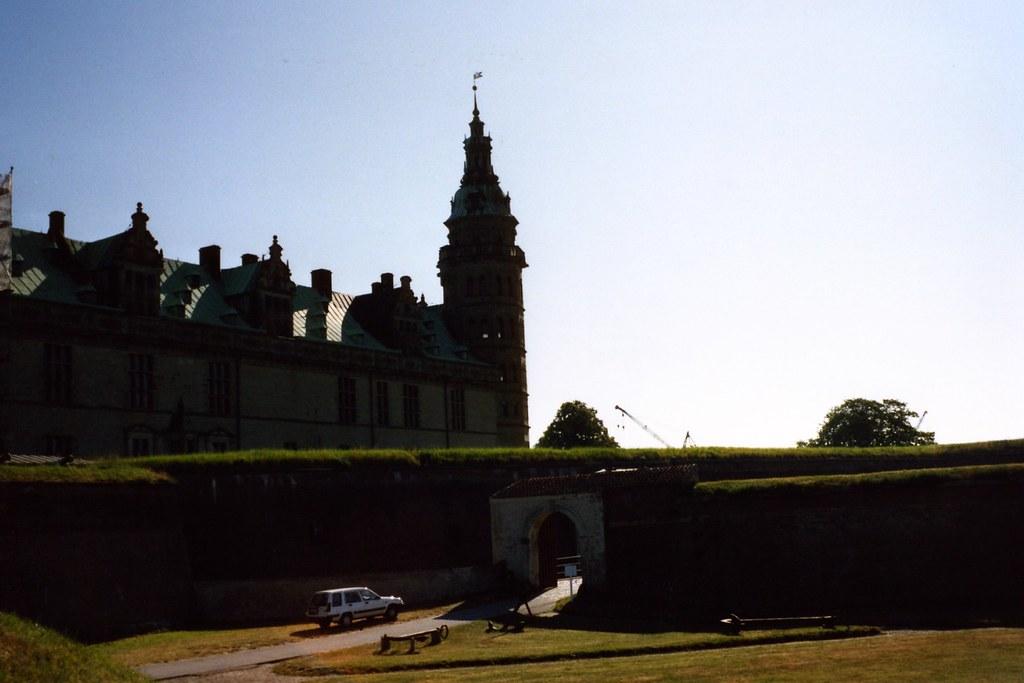 71294b9-hamlets-castle-denmark_2381490744_o