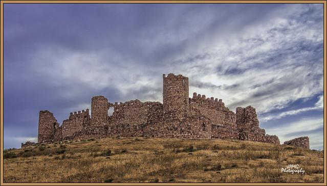 Castillo de Almonacid de Toledo (Canon-Tokina atx-i 11-16mm F2.8 CF)