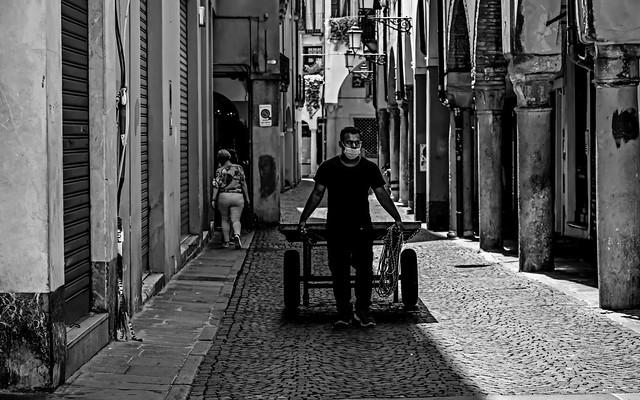 Verso Piazza delle Erbe a Padova