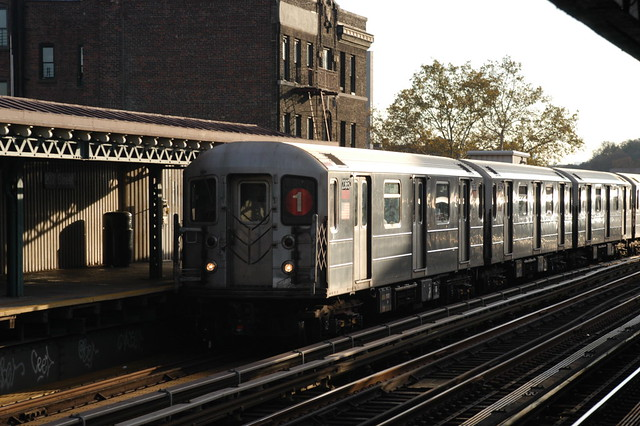 US NY NYC Subway R-62A 2365 207th St (Rt 1) IRT West Side Line 6-9-2007 (67057)